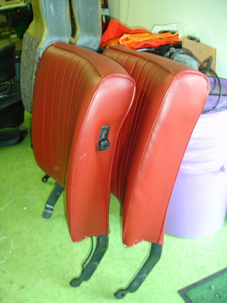 rugdelen autostoelen opnieuw bekleden