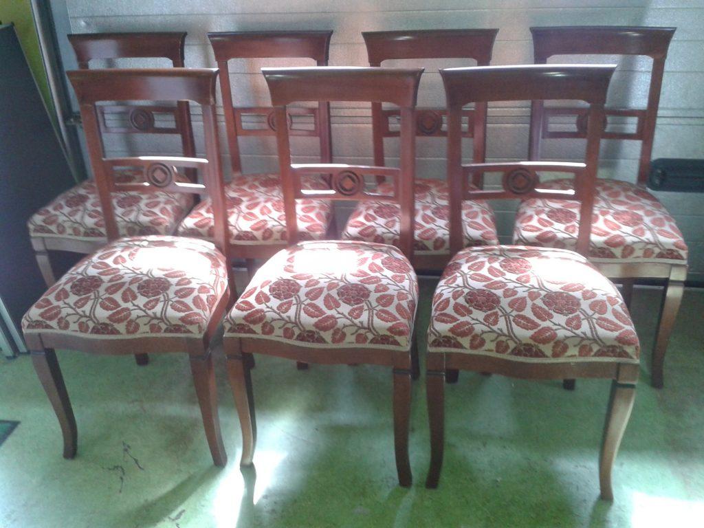 Set stoelen hergestoffeerd