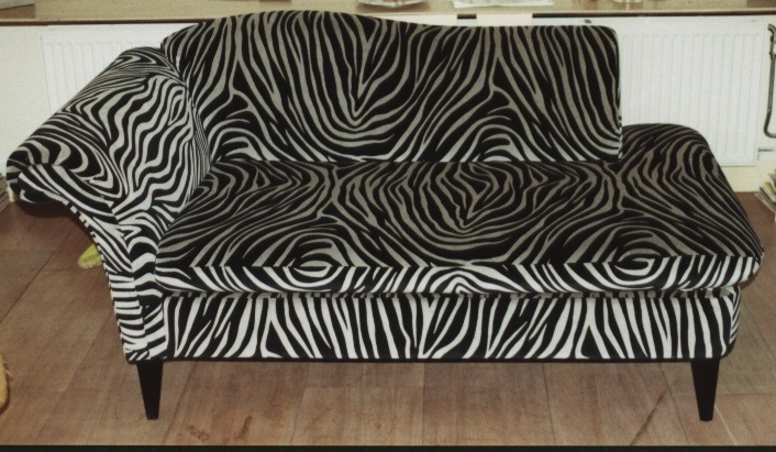 Chaiselongue-zebraprint-velours